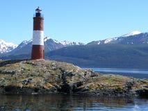 灯塔在后面的whith山壮观的看法  库存图片