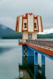 灯塔在湖 免版税库存图片
