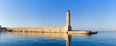 灯塔在罗希姆诺,克利特,希腊 免版税库存照片