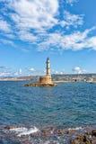 灯塔在老威尼斯式港口在干尼亚州 克利特 希腊 库存照片