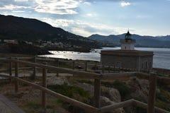 灯塔监视在埃尔波尔特德拉塞尔瓦的 库存图片