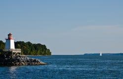 灯塔着陆手段&小游艇船坞Kentucky湖 免版税库存图片