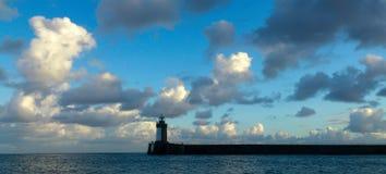 灯塔,圣皮特圣徒・彼得口岸,根西岛 库存照片