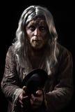 灰发的流浪者的情感画象 免版税库存照片