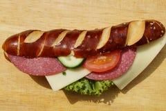 灰汁卷作为一顿快速的快餐 免版税库存图片