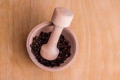灰浆用胡椒和木灰浆 免版税库存图片
