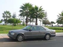 灰色奔驰车E320 Sportline小轿车在利马 图库摄影