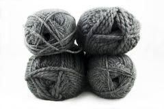 灰色毛线丝球 库存图片