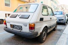 灰色菲亚特126,类型126是一辆小城市汽车 库存图片