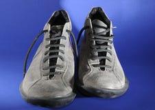 灰色鞋子 免版税图库摄影