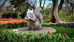灰鼠雕象在Hidiv Kasri伊斯坦布尔 免版税库存图片