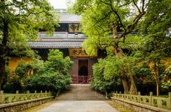 灵隐寺,杭州,中国祷告大厅  免版税库存图片