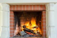 灼烧的壁炉 图库摄影
