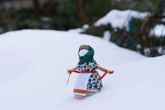灼烧的庆祝的狂欢节玩偶在冬天Maslenitsa 库存图片