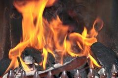 灼烧的火火焰开张 免版税库存照片