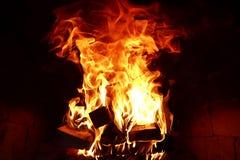 灼烧的火火焰的长舌  免版税库存图片