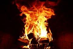 灼烧的火火焰的长舌  免版税库存照片