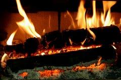 灼烧的炭烬 库存图片