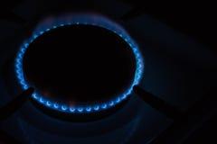 灼烧的燃烧器煤气炉在家 库存照片