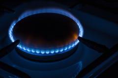 灼烧的燃烧器煤气炉在家 免版税库存图片