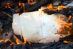 灼烧的纸张 库存图片