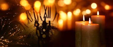 灼烧的蜡烛在年之交 图库摄影