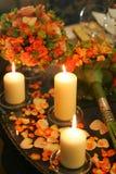 灼烧的蜡烛瓣 免版税库存照片