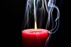 灼烧的蜡烛粉红色 免版税图库摄影