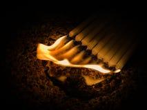 灼烧的蜡烛许多 免版税图库摄影