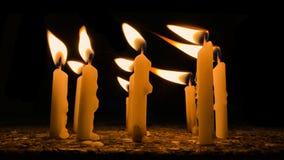 灼烧的蜡烛许多 库存照片