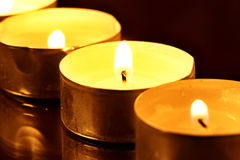 灼烧的蜡烛 库存图片