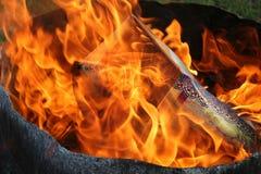 灼烧的课程纸张 免版税库存照片