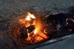 灼烧的采煤引起挥发性 免版税库存照片