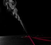 灼烧的香火棍子 库存图片
