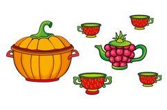 炊事用具-盘,平底锅,水壶,杯子 图库摄影