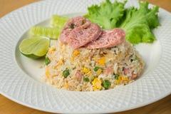 炒饭用被发酵的猪肉和菜,泰国食物 免版税库存图片