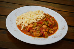 炖煮的食物,波兰烹调 免版税图库摄影