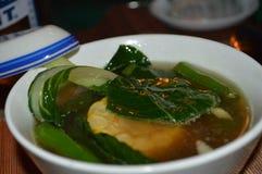 炖牛肉或Bulalo从八打雁省 免版税库存照片