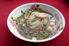 炖牛肉汤面 免版税图库摄影