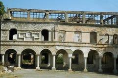 炮击大厦废墟在纳戈尔诺卡拉巴赫 图库摄影
