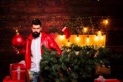 炸弹情感 圣诞节准备 新年销售 圣诞节庆祝假日 滑稽的圣诞老人祝愿圣诞快乐 免版税库存照片