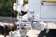 炸弹defusion的军用机器人 免版税库存照片