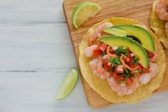 炸玉米粉圆饼de camaron Mexicanas,虾炸玉米粉圆饼,墨西哥食物在墨西哥,海鲜 免版税库存照片