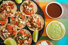 炸玉米饼Al牧师,墨西哥炸玉米饼,街道食物在墨西哥城 库存图片