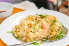 炸虾用玻璃面条,传统泰国食物 库存照片