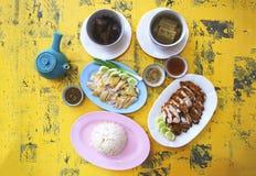 炸鸡和煮沸的鸡 免版税库存图片