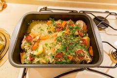 炸鸡用土豆和菜 库存图片
