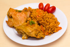 炸鸡用米和蕃茄 免版税图库摄影
