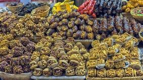 点心在盛大义卖市场在伊斯坦布尔,土耳其 库存图片