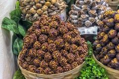 点心在盛大义卖市场在伊斯坦布尔,土耳其 库存照片